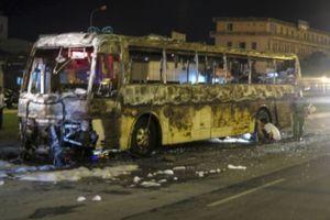 Nam Định: Xe khách 45 chỗ bất ngờ bốc cháy dữ dội