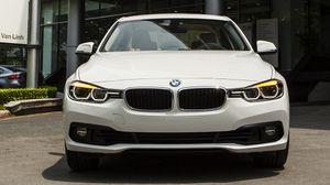 BMW 320i phiên bản 100 năm tại Việt Nam, giá 1,658 tỷ đồng