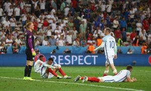 Có bao giờ người Anh từ bỏ EURO và chia tay World Cup?