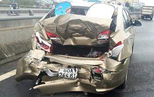 3 ô tô tông liên hoàn vì... chiếc mũ bảo hiểm