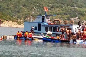 Sập nhà hàng nổi ở Ninh Thuận, 2 du khách trẻ thiệt mạng dưới biển