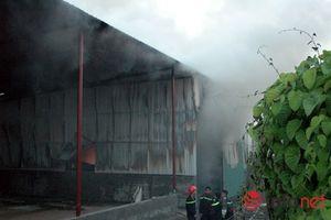 Cháy lớn gần cây xăng Thăng Long khiến người dân hoảng loạn