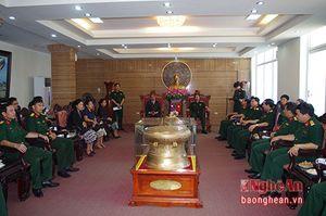 Thứ trưởng Bộ Quốc phòng QĐND Lào thăm, làm việc tại Quân khu 4