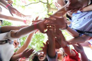 Hàng trăm bạn trẻ ôm tự do ở Sài Gòn