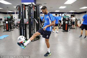 Riyad Mahrez vui vẻ tập luyện chuẩn bị cho cuộc đối đầu với PSG, Barca và Real
