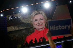 Lịch sử gọi tên bà Clinton