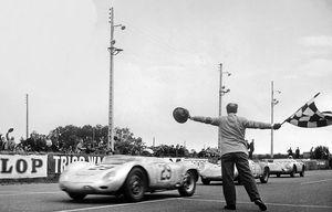 Lịch sử huyền thoại Porsche 718 và hậu duệ 718 Boxster