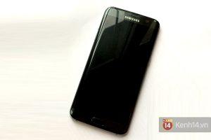 Đây là sự khác biệt giữa Galaxy S7 edge 'Người dơi' và bản thường