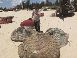 Ngư dân Quảng Trị chuyển nghề không dễ!