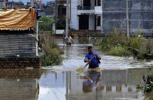 Chùm ảnh lũ lụt hoành hành ở Nam Á, hơn 100 người chết