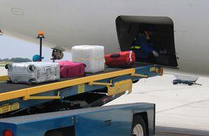 Nhân viên bốc xếp trộm iPad ở sân bay Nội Bài