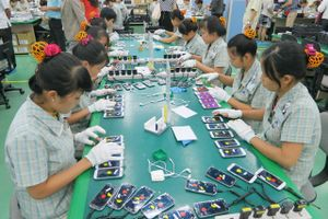 Việt Nam xuất khẩu điện thoại khắp thế giới, thu hàng tỷ USD