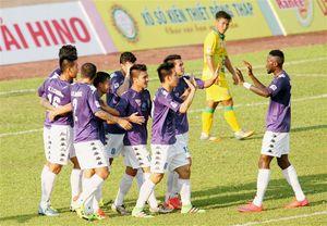 TRỰC TIẾP vòng 18 V.League: Samson ghi bàn đúng phút 90