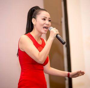 Ca sĩ Thu Minh bác thông tin đang trốn nợ cùng chồng tỷ phú