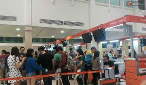 Toàn bộ màn hình tại sân bay Nội Bài được tắt hết sau sự cố bị chèn nội dung xuyên tạc về biển Đông