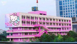 Không có chuyện Đại học Giao thông vận tải sơn màu hồng Hello Kitty