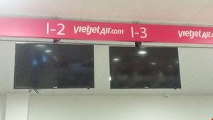 Tin tặc ở sân bay, ai rắc lông ngỗng Mỵ Châu?