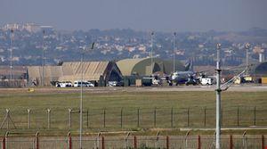 Báo động đảo chính, 7.000 cảnh sát Thổ Nhĩ Kỳ bao vây căn cứ Incirlik
