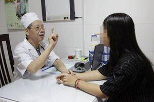Thiếu nữ 18 tuổi mắc bệnh co giật lưỡi hiếm gặp