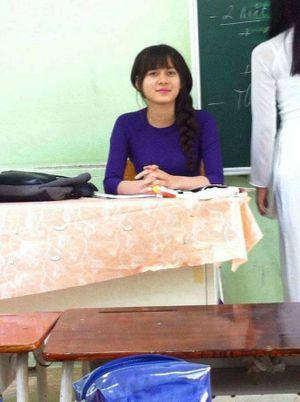 Cô giáo xinh như thế này thì ai mà chẳng muốn đi học cơ chứ!