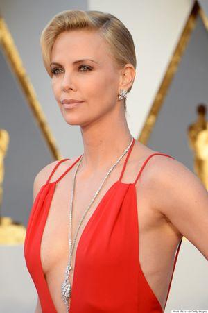 Top 10 sao nữ có thù lao cao nhất màn ảnh thế giới