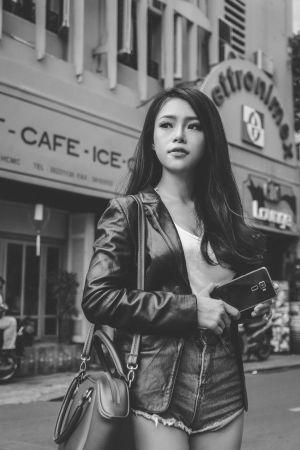 Người đẹp Ánh Vân tỏa sáng cùng smartphone 'đình đám' đến từ ASUS