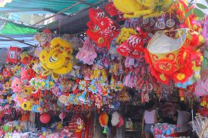 Trung thu 2016: Hình ảnh đồ chơi Việt ngập phố Hàng Mã