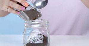 Đánh tan quầng thâm mắt bằng serum cà phê siêu dễ làm