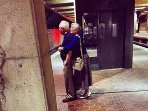Hình ảnh chứng minh tình yêu là tất cả những gì chúng ta cần