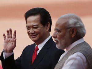 """Việt Nam """"liên thủ"""" Ấn Độ ở Biển Đông"""