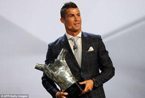 Vượt Bale và Griezmann, Ronaldo đoạt danh hiệu 'Cầu thủ hay nhất châu Âu'