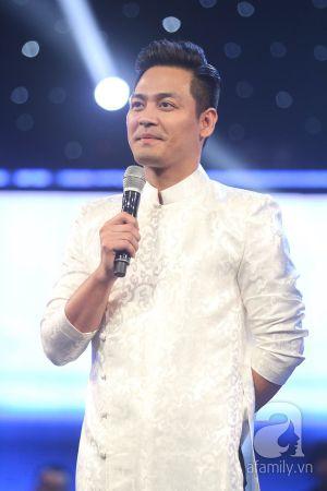 Phan Anh phát ngượng vì bị Thu Minh – Quang Dũng tố đi trễ trên sóng trực tiếp