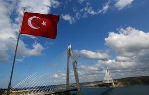 Cận cảnh cầu treo lớn nhất thế giới nối liền hai châu lục