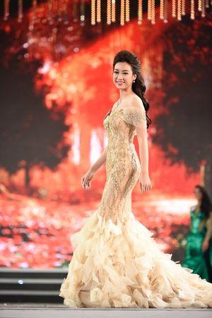 TRỰC TIẾP Hoa hậu Việt Nam 2016: Top 5 trả lời ứng xử