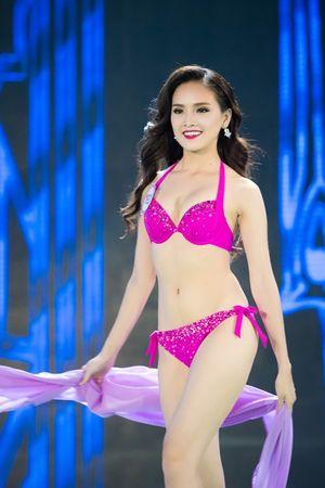 TRỰC TIẾP Hoa hậu Việt Nam 2016: Bi Rain xuất hiện, top 10 được công bố