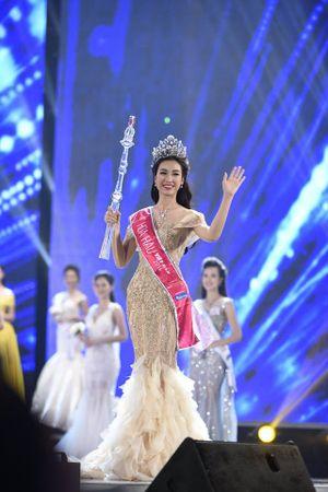 Kỳ Duyên chúc mừng tân Hoa hậu Việt Nam, bắt kẻ chủ mưu chém cả nhà