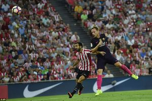 Rakitic sắm vai người hùng, Barca rời hiểm địa với 3 điểm