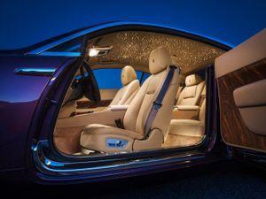 Điều ít biết về bầu trời sao trên xe Rolls-Royce