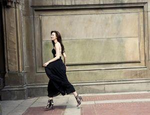 'Chân dài' Lâm Chí Linh tung ảnh lịch gợi cảm 'thiêu đốt' ánh nhìn