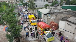 Dòng người kéo dài 3km tiễn đưa 4 bà cháu ở Quảng Ninh