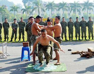 Kinh ngạc sức khỏe của chiến sĩ Đặc công Việt Nam