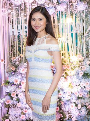 Hoa hậu Mỹ Linh, Á hậu Thùy Dung mặc đẹp, quyến rũ nhất tuần qua