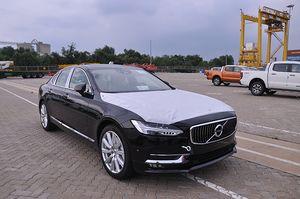 Volvo S90 xuất hiện tại Việt Nam sẽ đánh bật BMW 5 Series và Mercedes-Benz E-Class