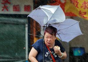 Ảnh: Siêu bão Megi càn quét Đài Loan, hơn 170 người thương vong