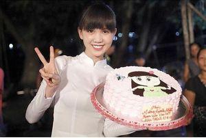 Vòng eo 56 đến Úc, Ngọc Trinh phải đón sinh nhật xa nhà