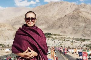 Những nghệ sĩ Việt từng đặt chân lên đỉnh núi tu hành cao 4000 m ở Ấn Độ