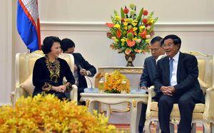 Chủ tịch Quốc hội Nguyễn Thị Kim Ngân hội kiến Thủ tướng Campuchia