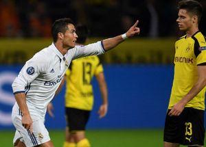 Chùm ảnh: Ronaldo nổ súng, nhưng Real vẫn 'ngại' Áo Vàng