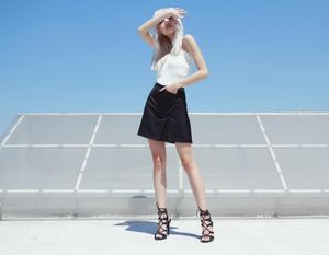 Cao 1m54, cô gái này vẫn có phong cách thời trang ấn tượng