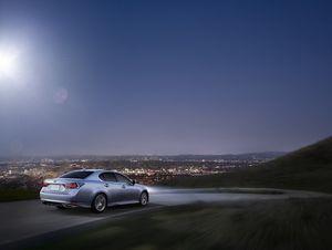 Lexus GS Turbo 2016 có giá trên 3,1 tỷ đồng